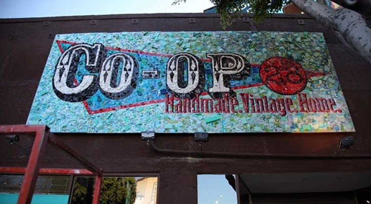Storefront-Sign-in-LA-Is-Made-from-6-000-Pieces-of-Trash-407186-2