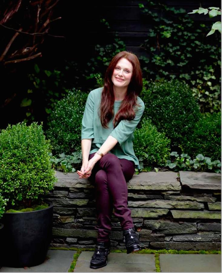 julianne-moore-garden-architectural-digest-gardenista